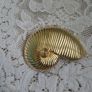 Vtg large seashell buckle by Gay Boyner
